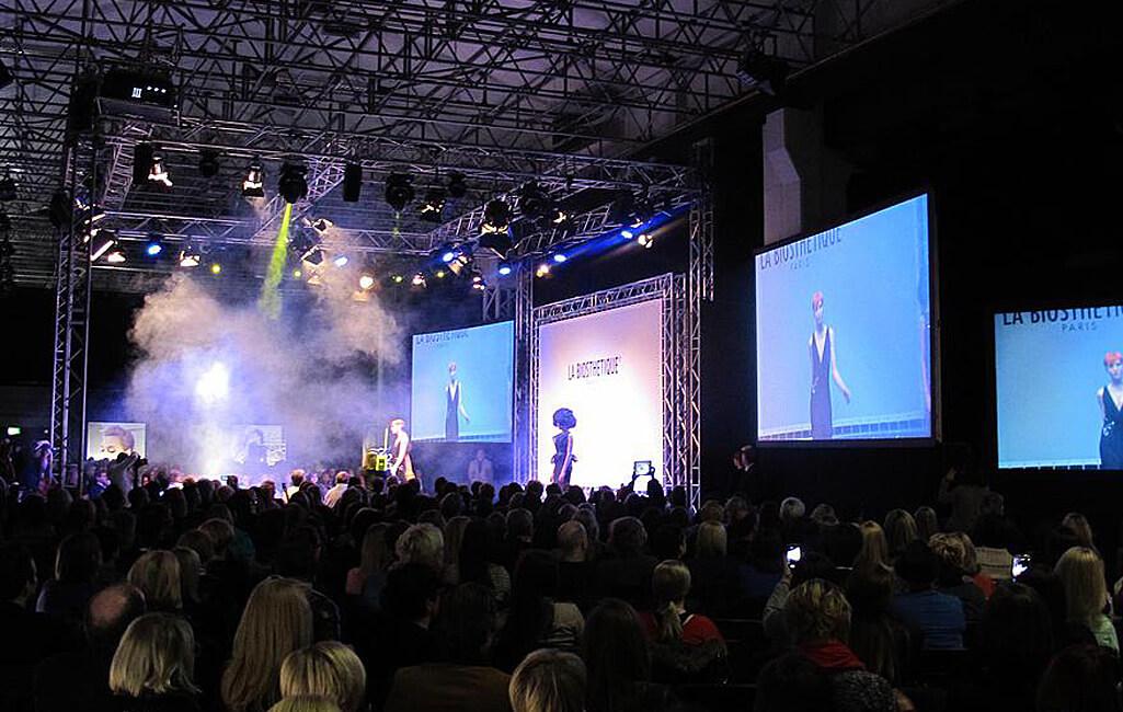 ziegelei101 innenansicht loft 7 Bühne Modenschau Modeschau
