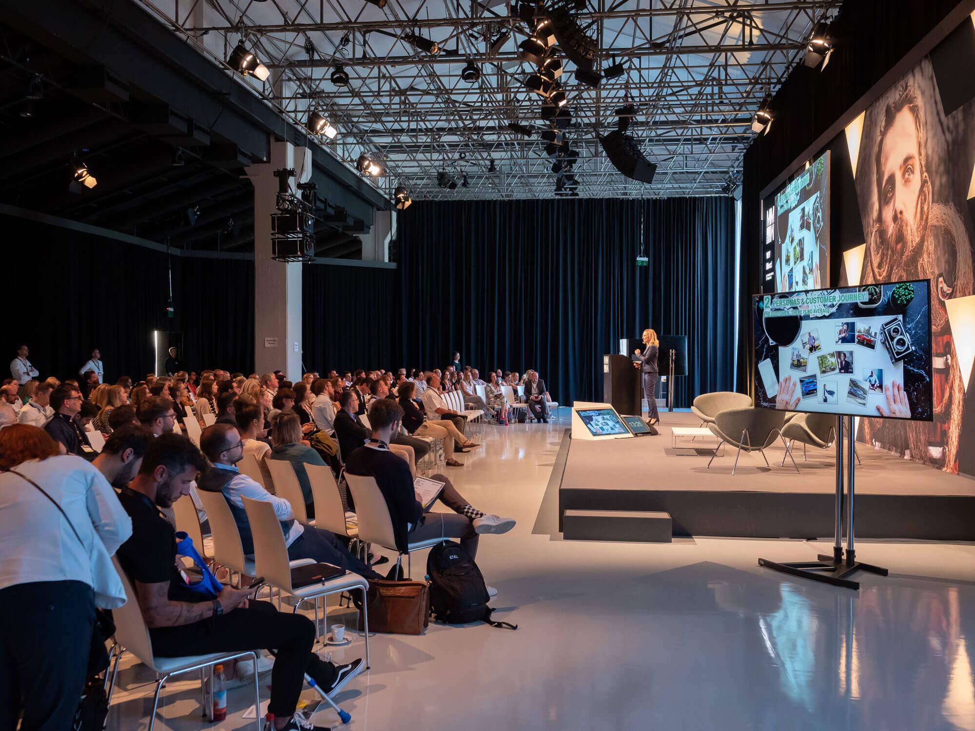 ziegelei101 innenansicht Loft 7 Bühne Präsentation firmenevent kick off firmenveranstaltung